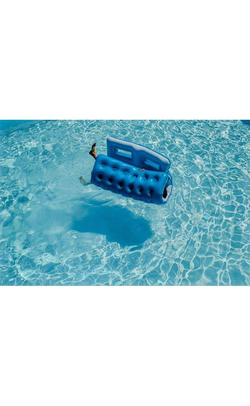 Pool, Hamptons 2014 Photographer Sasha Lytvyn