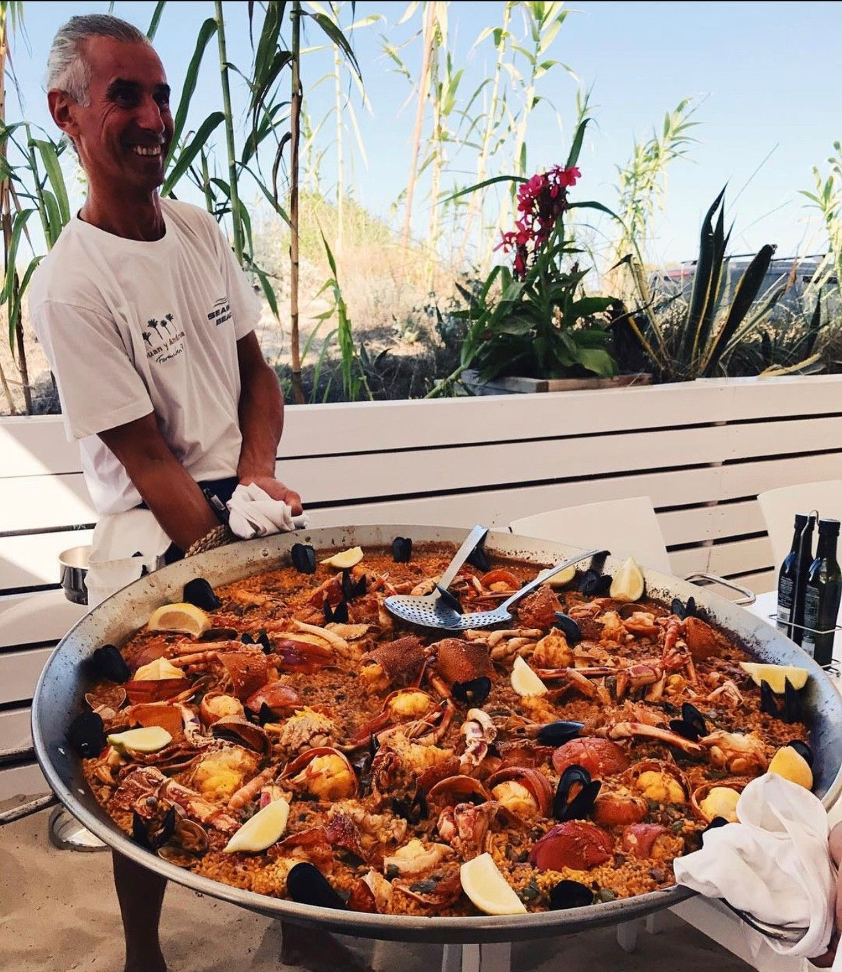 Click to see the full Paella plate!