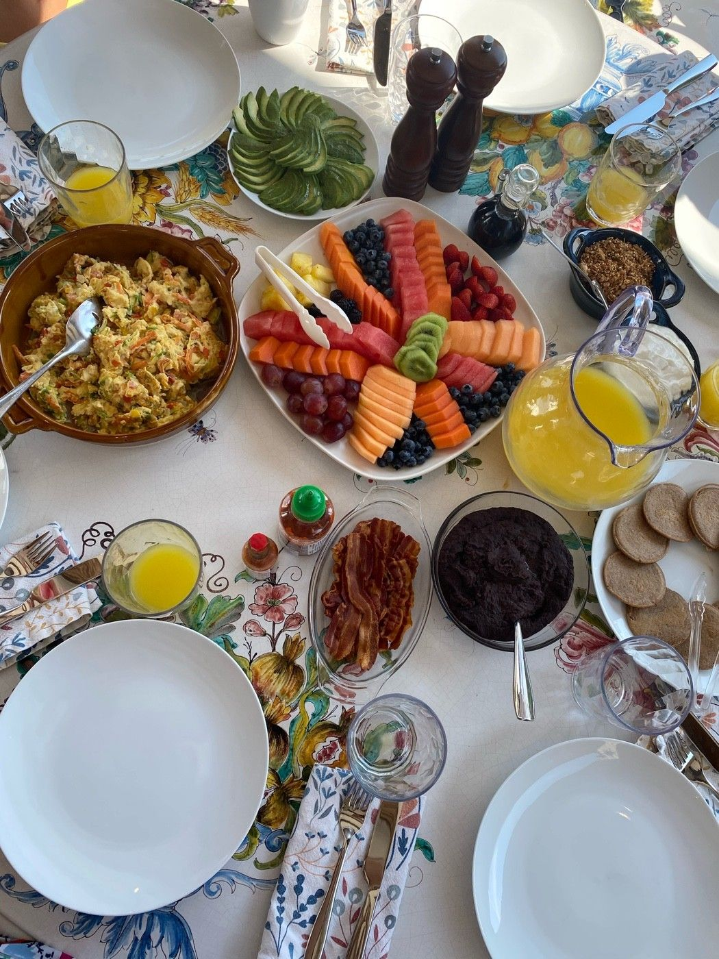 Breakfast at the Villa (Villa Rio De Luna)