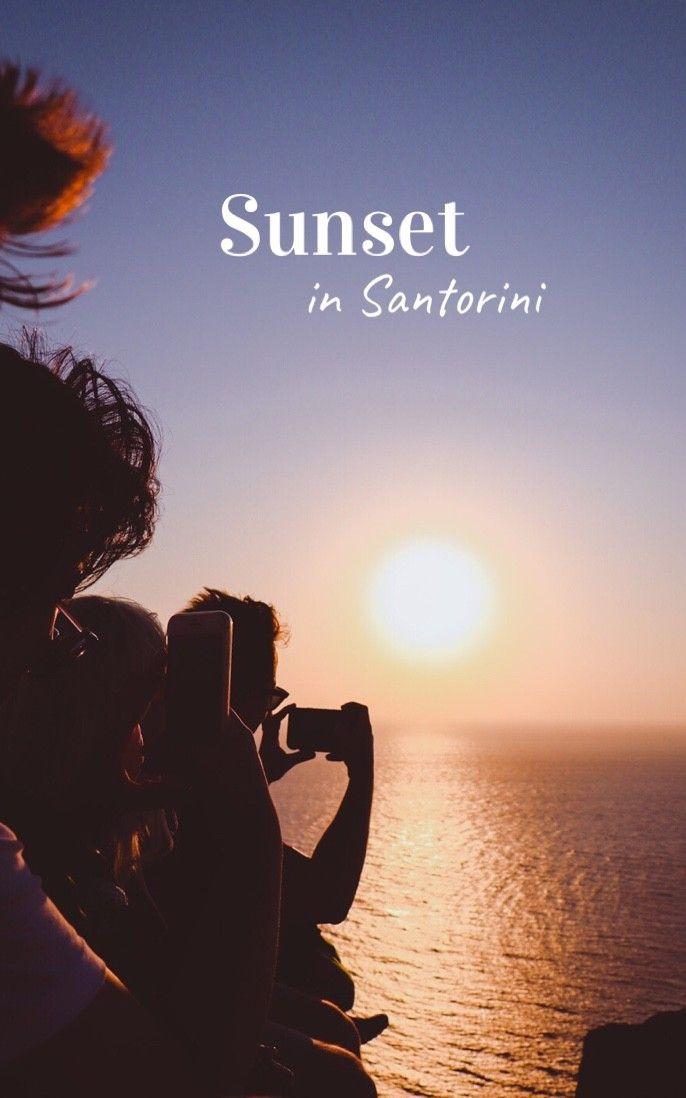 Sunset (and sunrise) in Santorini 🌞