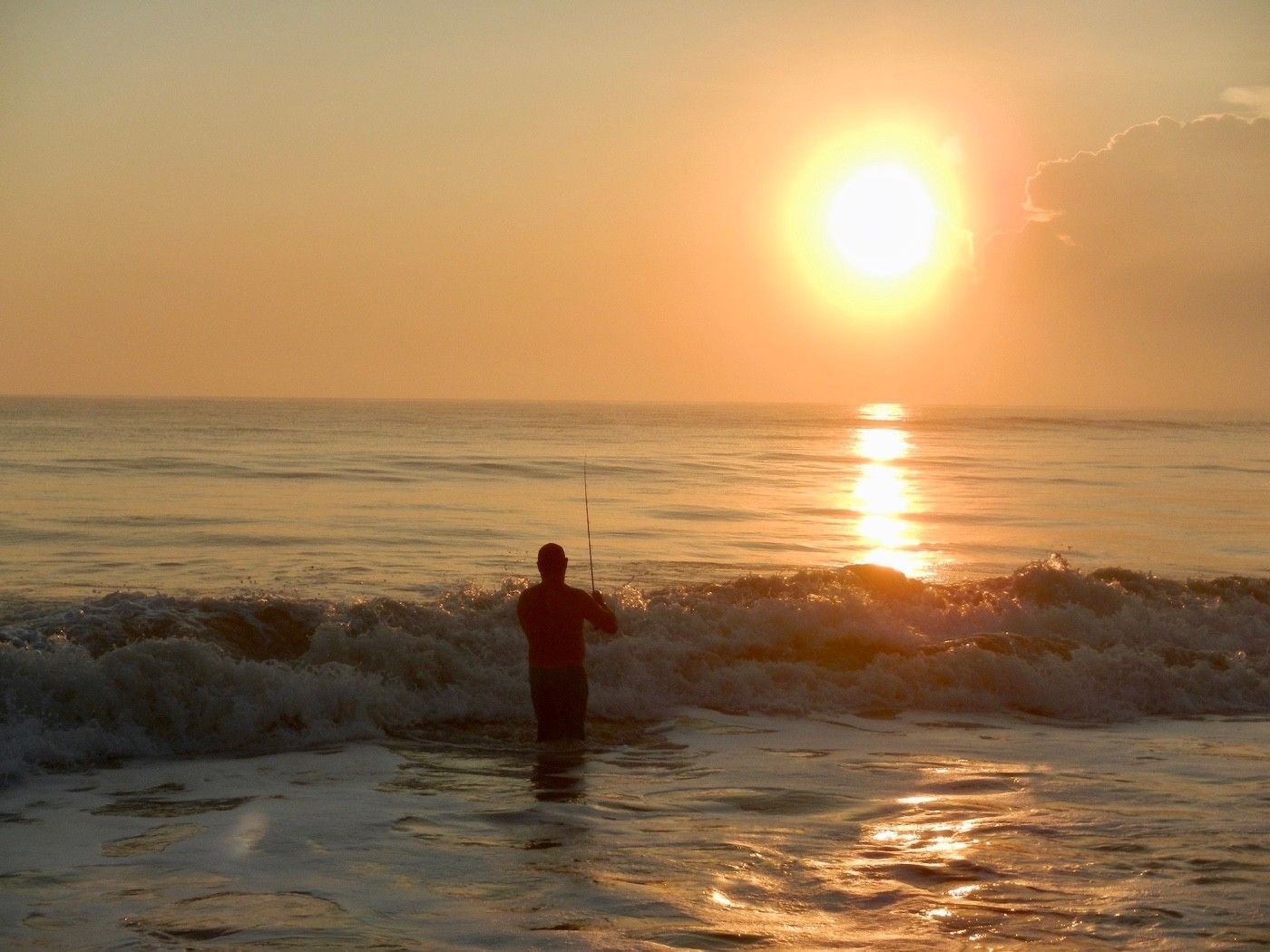 Fishermen often prefer sunrise.