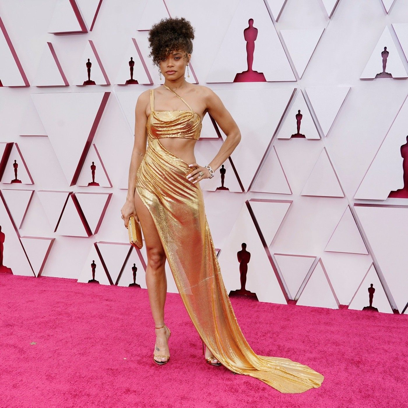 Andra Day wearing Vera Wang at the Oscars